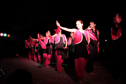 Bhangra dance at NID\'s Monsoon Fiesta 2008